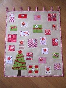 Calendrier de l'Avent en tissu... Adventskalender aus Stoff... dans Couture - Nähen Louise-22-novembre-2011-022b-225x300